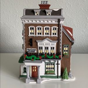 Department 56 Crown and Cricket Inn